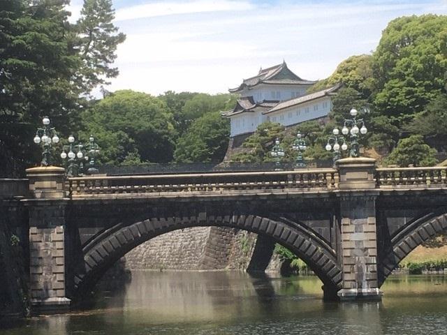 外苑前駅より徒歩2分の東急ステイ青山プレミアの日本語サイト■奥に見えるのが二重橋です。中央見えるのは丸の内警察署祝田町見張所