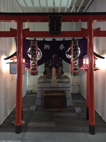 歌舞伎稲荷神社.jpg