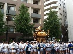 深川八幡祭り2015二の宮渡御中央区3.jpg