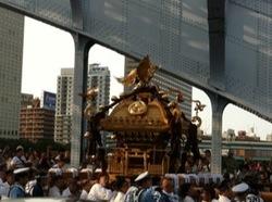 深川八幡祭り2015二の宮神輿渡御永代橋3.jpg