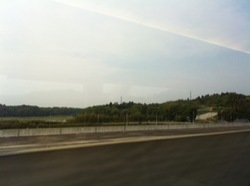 京成スカイライナー車窓から1.jpg