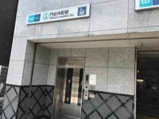 東西線2番出口地上エレベーター.jpg