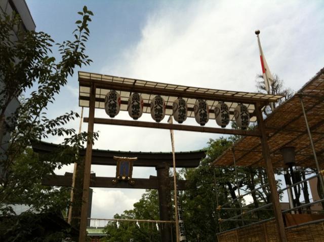 深川八幡祭り大鳥居2.jpg